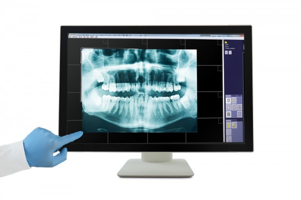 Medizinischer Multitouch-Monitor e-medic™ AM Touch